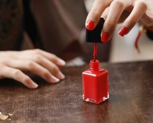 Tips for buying nail polish racks