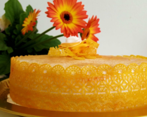 5 Special Cake Flower Combinations to Gift on Special Celebrations